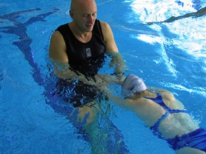 Alexander Technique teacher Steven Shaw teaching a swimming lesson